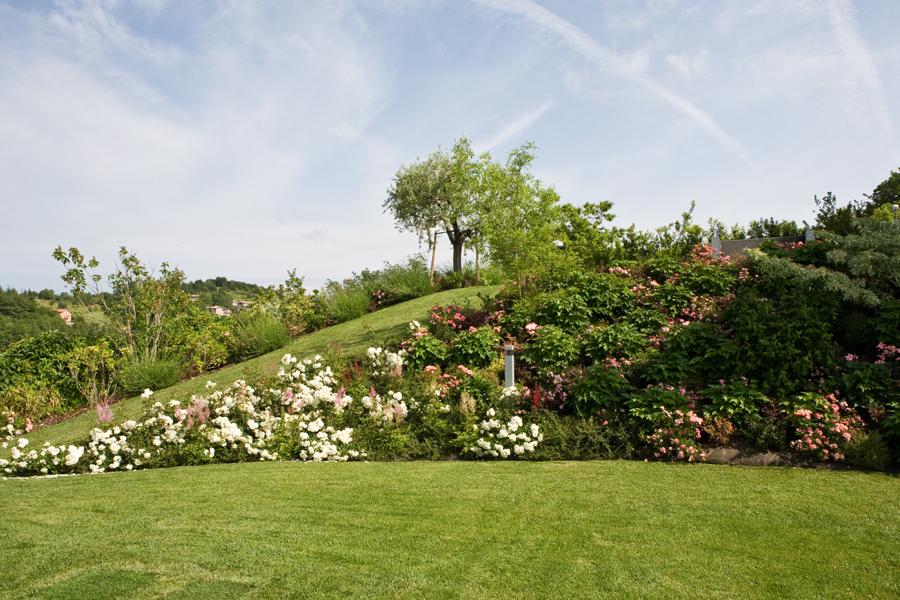 Realizzazione giardini privati verona fontana l 39 arte for Realizzazione giardini privati
